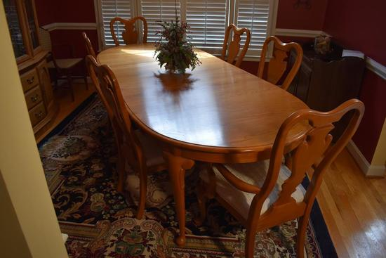 Set of 6 Light Stained Oak Dining Chairs By Sumter Cabinet Co., Queen Anne Style, 1 Master