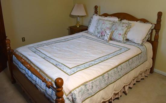 Oak Wood Queen Size Bed w/ Clean Lightly Used Mattress / Springs & Bedding