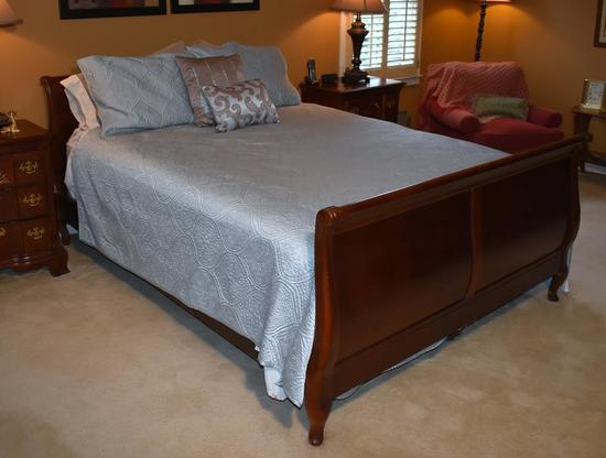 Cherry Queen Size Sleigh Bed w/ Clean Lightly Used Mattress/Springs & Bedding