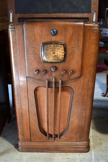 Antique Emerson Walnut Floor Console Radio, Model D139