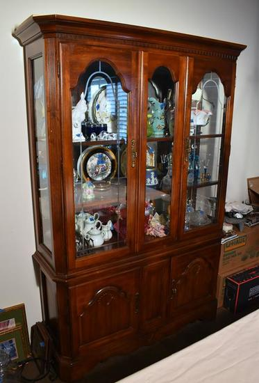 Keller Cherry China Cabinet w/Etched Glass, Mirrored Back, Lighted (Lots 18 -21 Are a Suite)