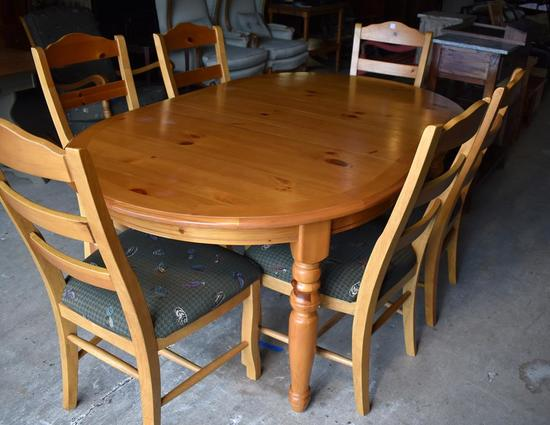 Contemporary Oval Pine Dining Table w/ Leaf