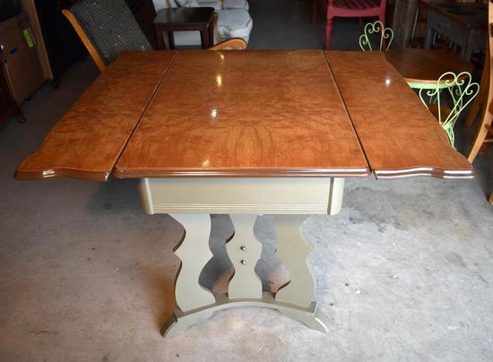 "Vintage 1937 Kitchen Table w/ Retractable Leaves, One Drawer, ""Porceliron Stainless"" Trademark Top"