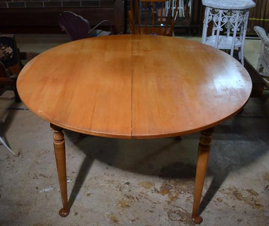 Vintage Maple Dining Table with Extension Leaf