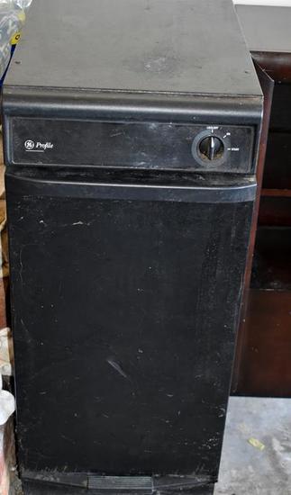 GE Profile Garbage Compactor