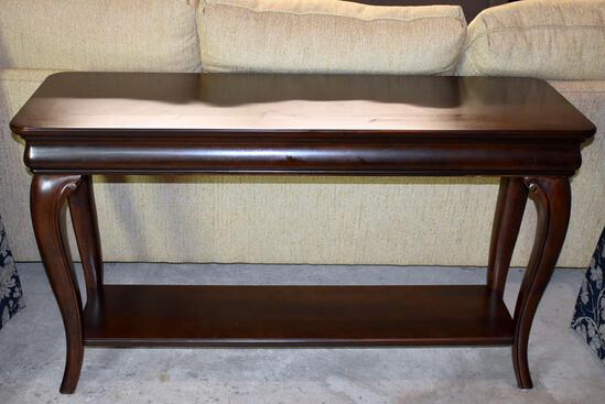 Fine Mahogany Queen Anne Sofa Table