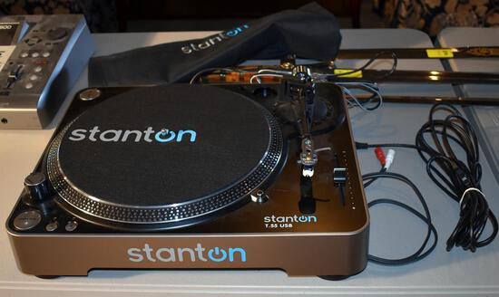 Stanton T-55 USB Turntable, Model T55USB-NA w/ Dust Cover, Records to USB Port Device