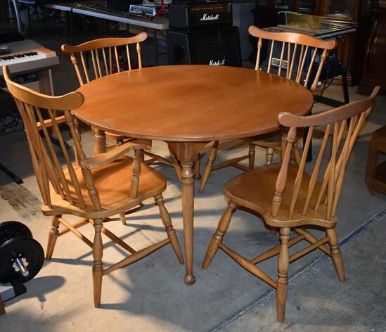 Vintage Rock Maple Dining Table w/ Scoop Feet & 1 Leaf (Matches Lot 74)