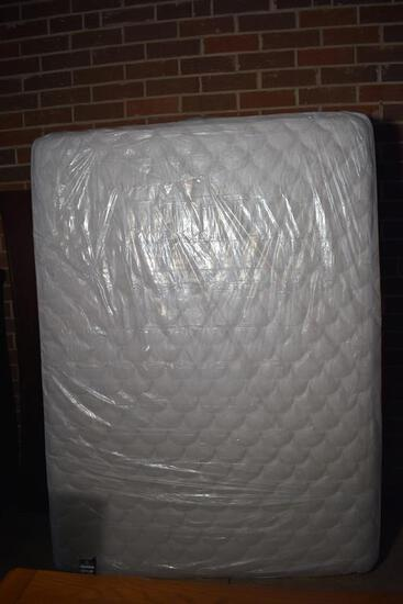 New in Packaging Queen Size Serta Perfect Sleeper (Winslet) Mattress & Box Springs