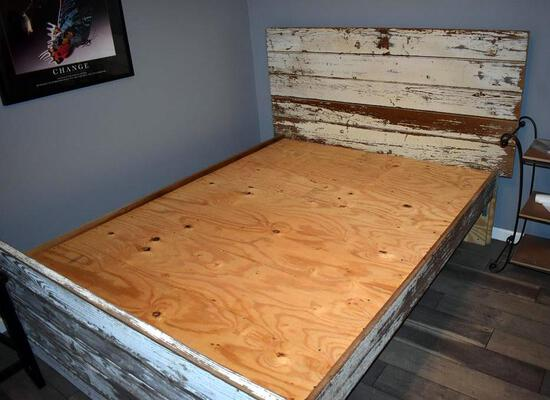 Reclaimed Barn Wood Hand Crafted Queen Size Bed