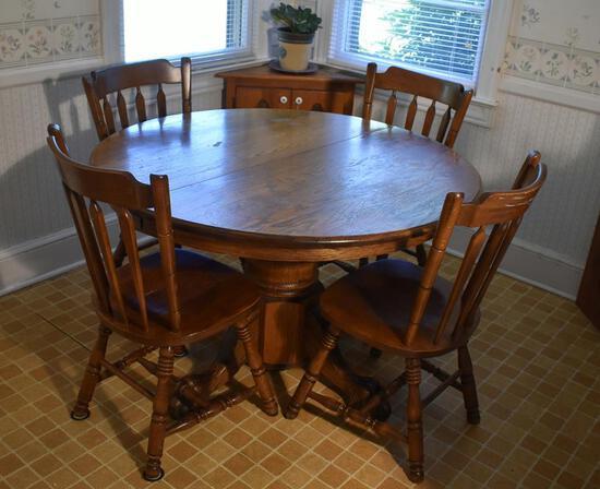 Vintage Oak Round Pub Table w/ Paw Feet & One Leaf
