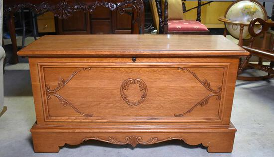 Charming Lane Oak Exterior Cedar-Lined Hope Chest with Key