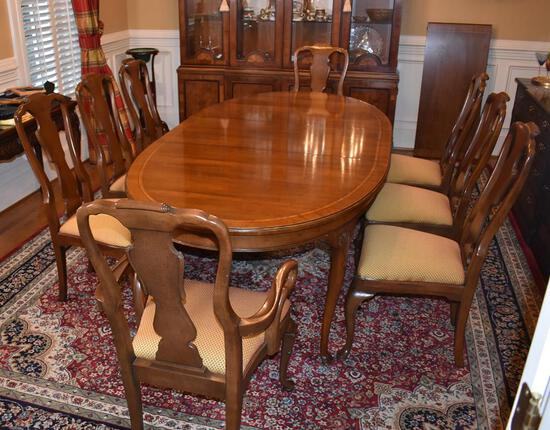 Set of 8 Gorgeous Queen Anne Style Cherry Dining Chairs by Henredon Fine Furniture