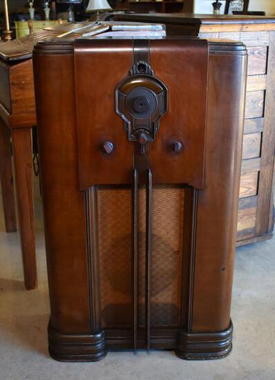 Antique 1937 Motorola Model 9Y Tube Art Deco Console Radio