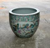 Beautiful 19th C. Chinese Canton Famille Rose Jardiniere / Cache Pot