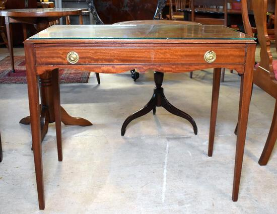 Antique Hepplewhite Style Mahogany Side Table w/ Glass Cover