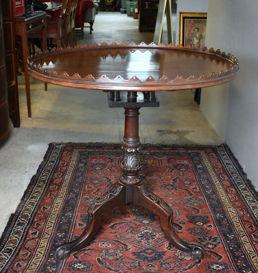 Fine 18th-19th C. Chippendale Carved Mahogany Pie Crust Tea Table