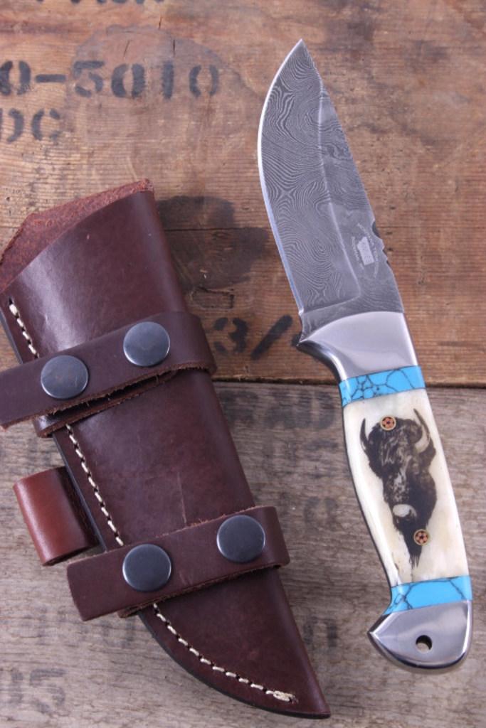 Montana Territory Knives Damascus Etched Buffalo