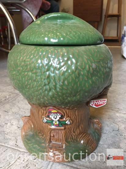 "Cookie Jar - Nabisco Keebler Treehouse cookie jar, 1981m 10""hx8""w"