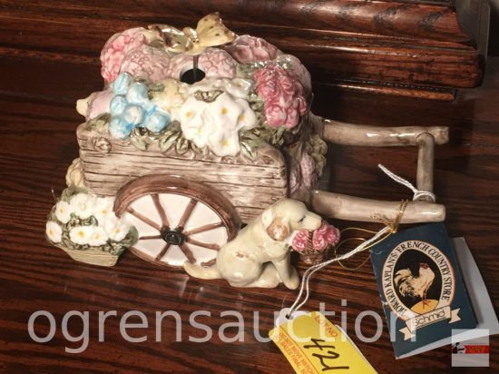 Schmid 1988 ceramic figural music box, French Country Store, made in Sri Lanka, plays Everything is