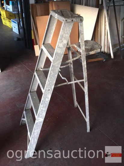 Ladder - A frame aluminum ladder, 5ft.