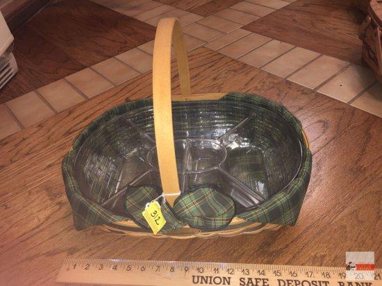 Longaberger Baskets - Handwoven, Dresden, Ohio, USA 1998 Hospitality basket w/liner & insert