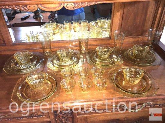 Glassware - Depression Glass Yellow dishes, 26 pcs.