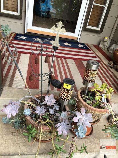 Yard & Garden - 3 planter pots, succulents, 2 solar lights, garden stakes