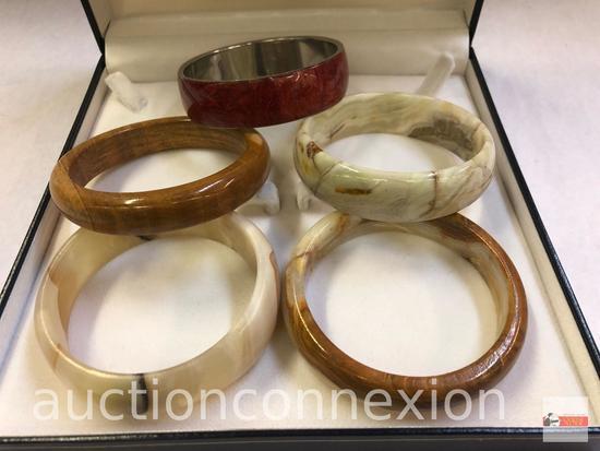 Jewelry - 5 bangle bracelets
