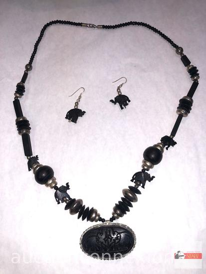 Jewelry - Necklace with matching earrings, lg. carved wooden