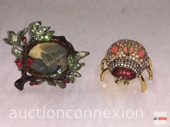 Jewelry - 2 jeweled items