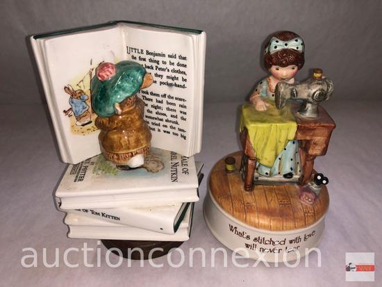Collectibles - 2 Schmid musical figurines, ceramic porcelain