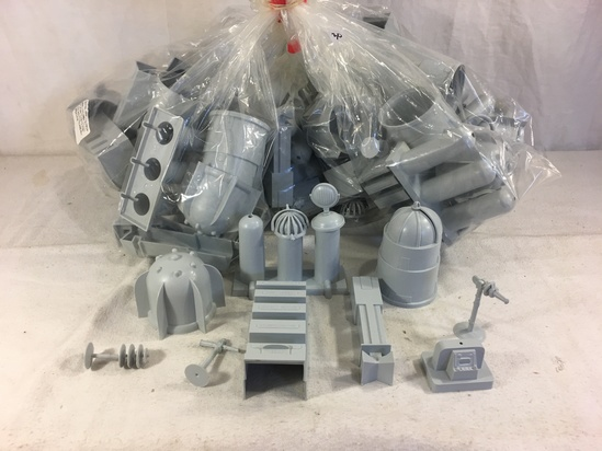 Lot of 10 Pieces Collector Marx Gray Color Plastic Accessory Toys - See Pictures