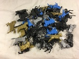 Lot of 50 Pcs Collector Loose Marx Miniatures Horse Assorted Colors  - See Pictures