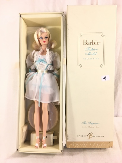"NIB Collector Genuine Silkstone Body Gold Label ""The Ingenue"" Fashion Model Barbie Doll Box: 13.5""x4"