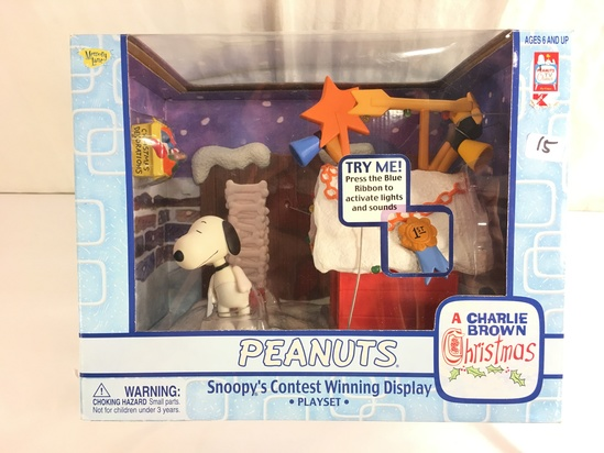 """Collector Memory Lane Peanuts Snoopy's Contest Playset Display Box Size: 10x8"""" Box"""