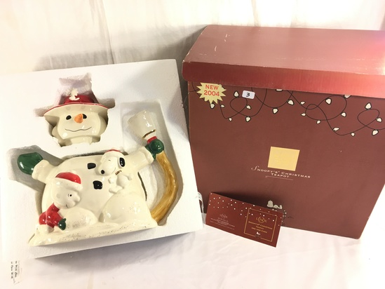 """Collector Lenox Peanuts 2004 Snoopy's Christmas Cookie Jar Box Size: 16x11x12"""""""