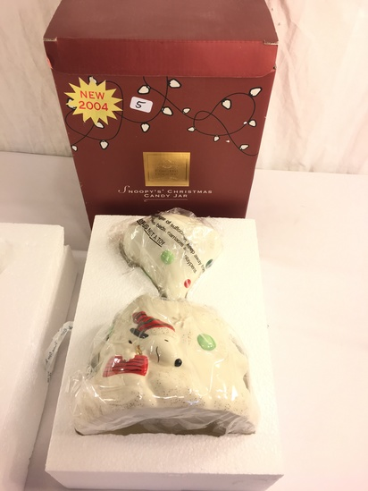 """Collector Lenox Peanuts 2004 New Snoopy's Christmas Candy Jar Box Size: 10.5""""Tall x7.5"""" Width"""
