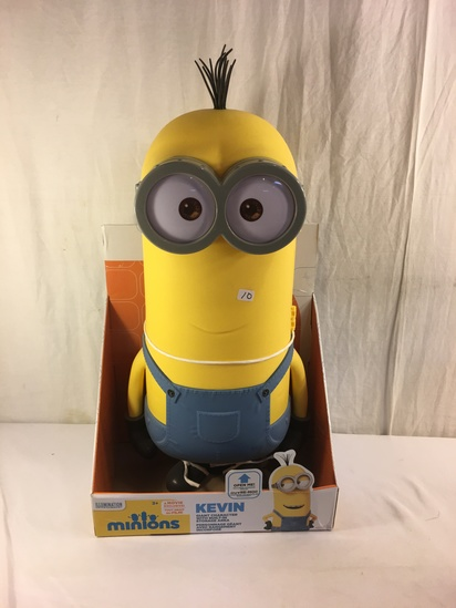 Collector NWT Minions Illumination Entertainment Kevin Plastic Action Figure 21'Tall