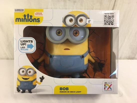 """NIB Collector Illumination Entertainment Movie Exclusive Minion Bob Minion 3D Deco Light 10x12"""" Box"""