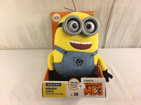 """Collector NWT Dispicable Me 3 Deluxe Minion Dave With Pop-Out Eyes 11""""Tall Figure"""