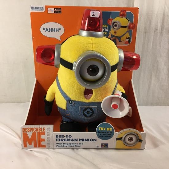 "NIP Collector Illumination Minions Despicable Me Bee-Do Fireman Minion w/Megaphone 13""T"