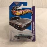 Collector NIP Hot wheels Mattel 1/64 Scale DieCast metal & Plastic Parts '64 Corvette Sting Ray
