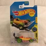 Collector NIP Hot wheels Mattel 1/64 Scale DieCast & Plastic Parts Street Wiener Car 3/10