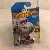 Collector NIP Hot wheels Mattel 1/64 Scale DieCast & Plastic Parts Roller Toaster 3/5 car