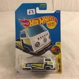 Collector NIP Hot wheels Mattel 1/64 Scale DieCast & Plastic Parts Volkswagen T2 Pickup 1/10