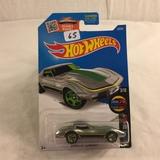 Collector NIP Hot wheels Mattel 1/64 Scale DieCast & Plastic Parts  Corvette Stingray 3/10 Car