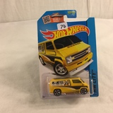 Collector NIP Hot wheels Mattel 1/64 Scale DieCast & Plastic Parts Custom '77 Dodge Van Car