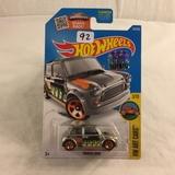 Collector NIP Hot wheels Mattel 1/64 Scale DieCast & Plastic Parts Morris Mini 3/10 Car