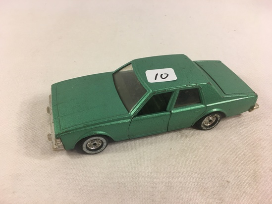 "Collector Loose Vintage Corgi Toys Chevrolet Caprice  Classic Mad ein GT Britain 6"" Width DieCast Ca"